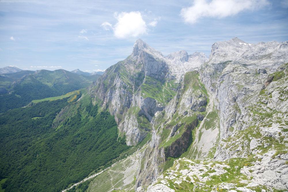 Montañas en Picos de Europa, Cantabria