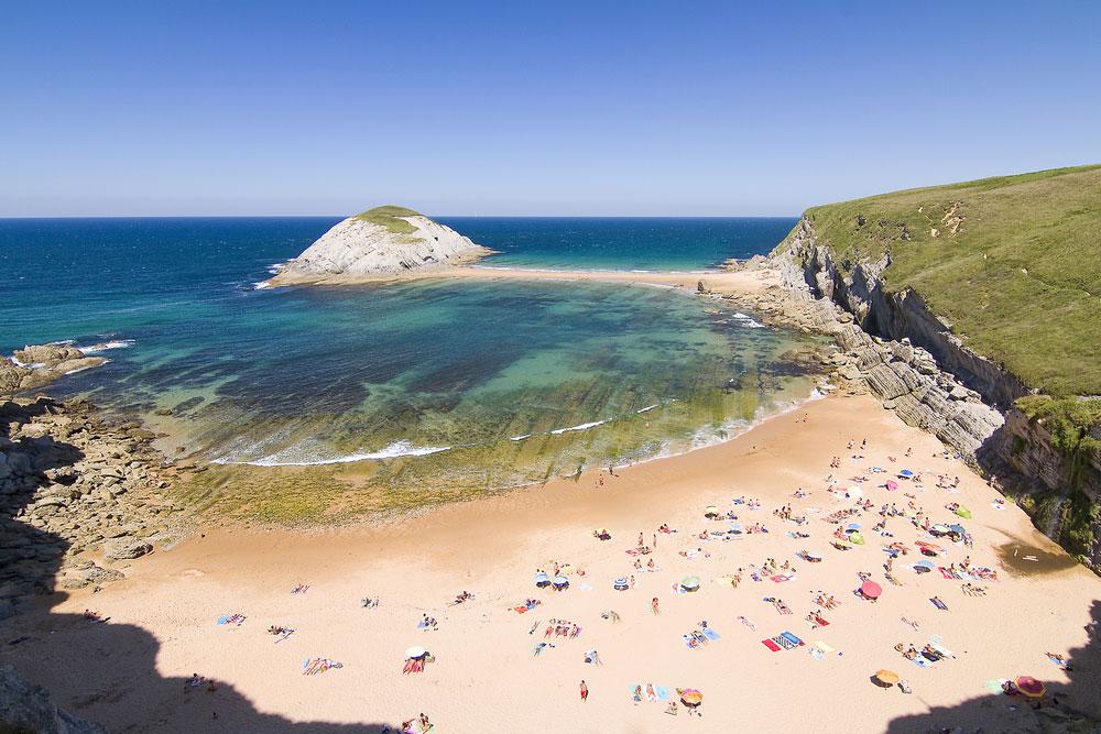 Playa de Covachos en Cantabria