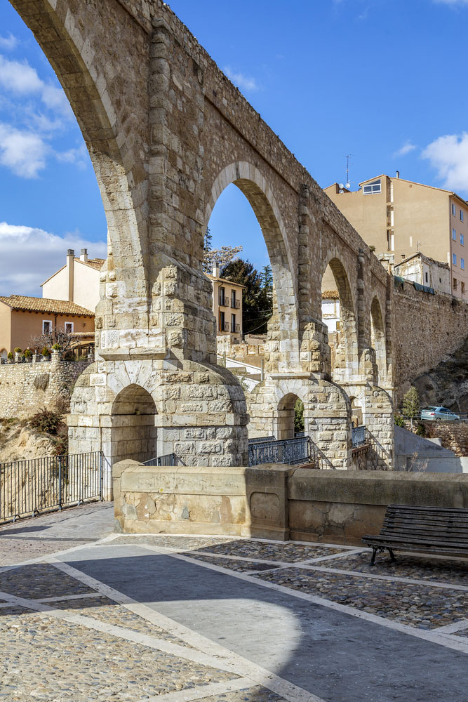 Acueducto de los Arcos renacentista en ciudad de Teruel