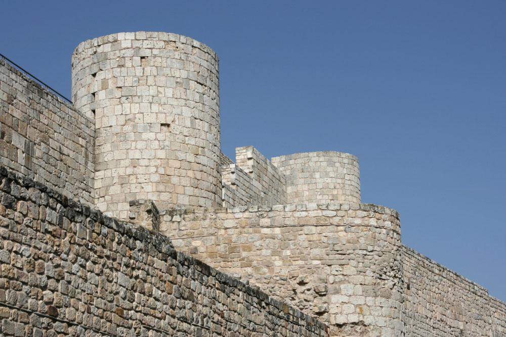 Castillo y murallas medievales en Burgos capital