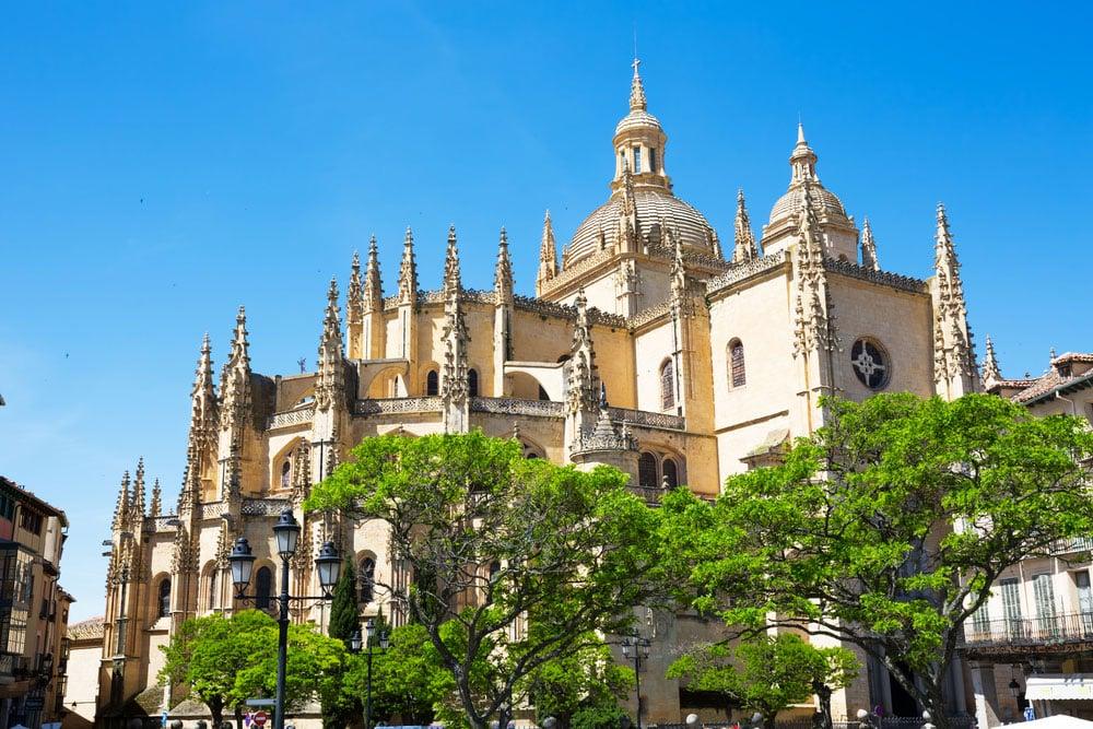 Exterior de la catedral de Segovia