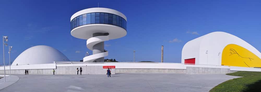 Centro cultural internacional Niemeyer en Avilés