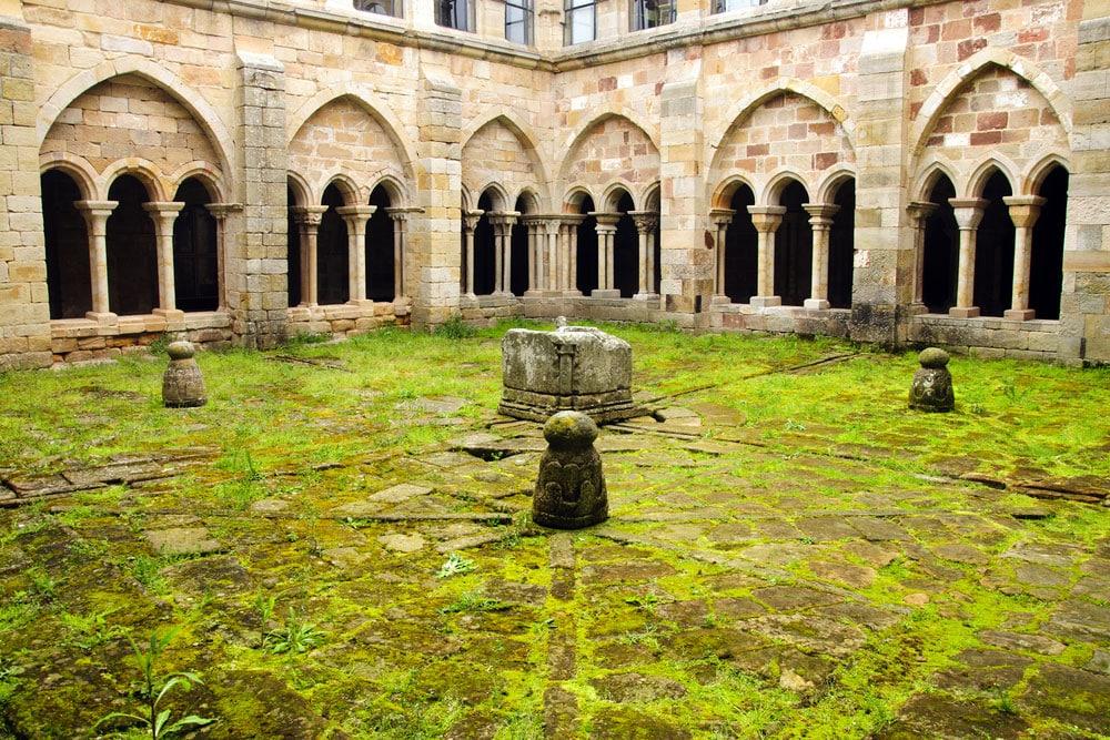 Claustro,Monasterio de Santa MAría la Real, Aguilar de Campoo, Palencia