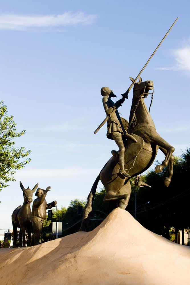 Estatuas de don Quijote y Sancho Panza en Campo de Criptana, Ciudad Real