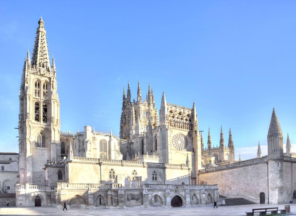 Fachada exterior catedral en Burgos