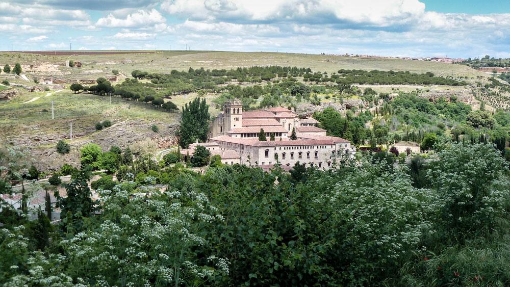Vistas generales entorno del Monasterio del Parral en Segovia