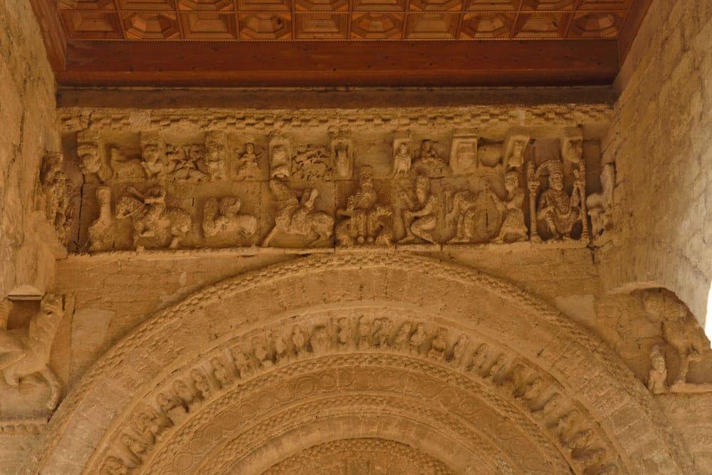 Detalle Pórtico románico iglesia Santa María, Carrión de los Condes, Palencia