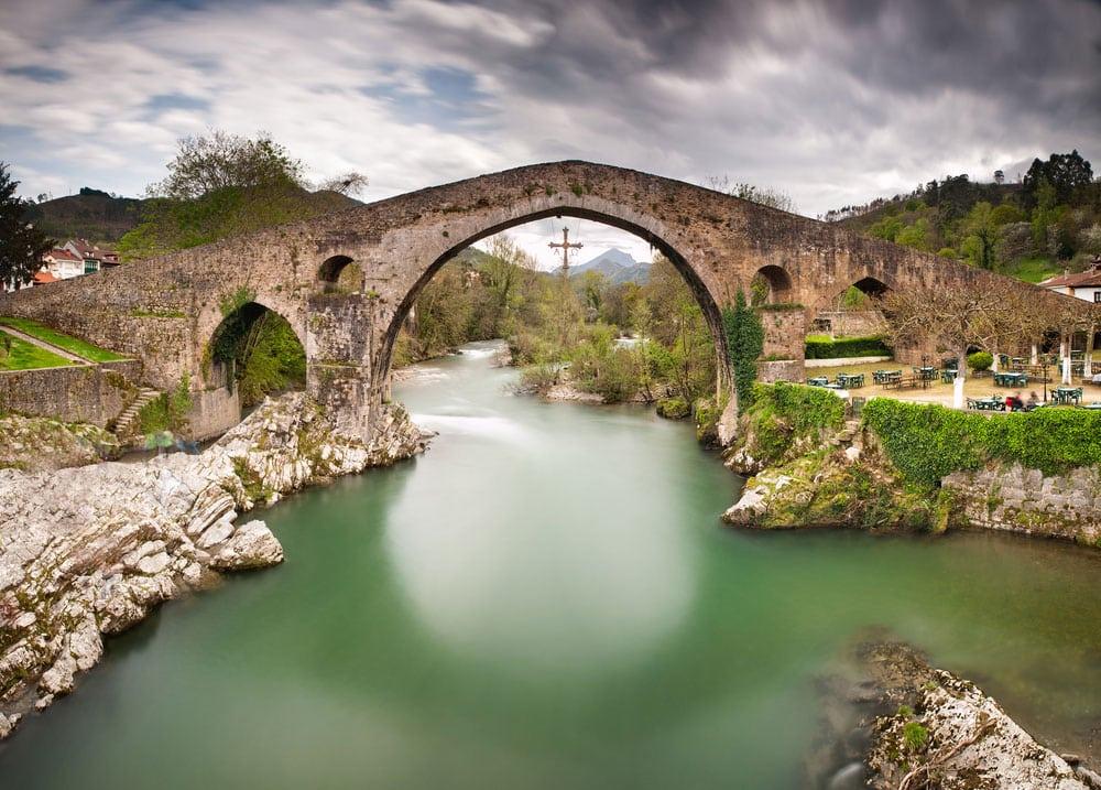 Puete romano de piedra en Cangas de Onís, Asturias