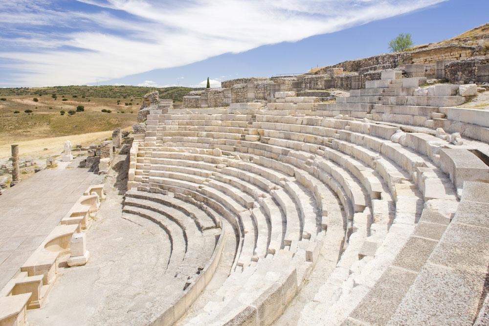 Anfiteatro del yacimiento arqueológico romano de Segóbriga en provincia de Cuenca