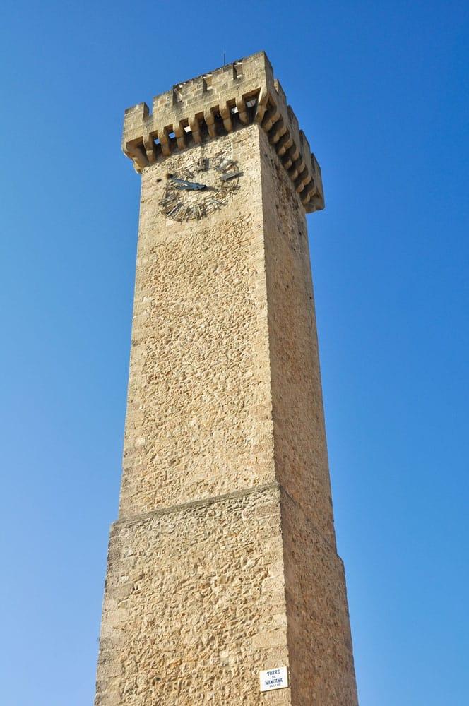 Torre Mangana en la ciudad de Cuenca