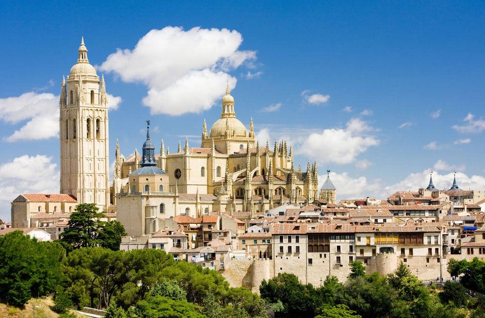 Vista general de la ciudad de Segovia, con monumentos